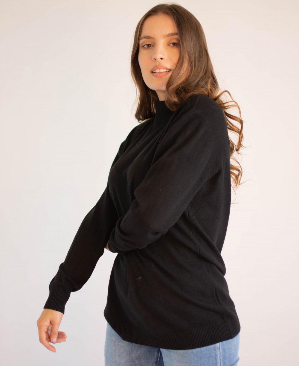 Czarny sweter z golfem Jean 2