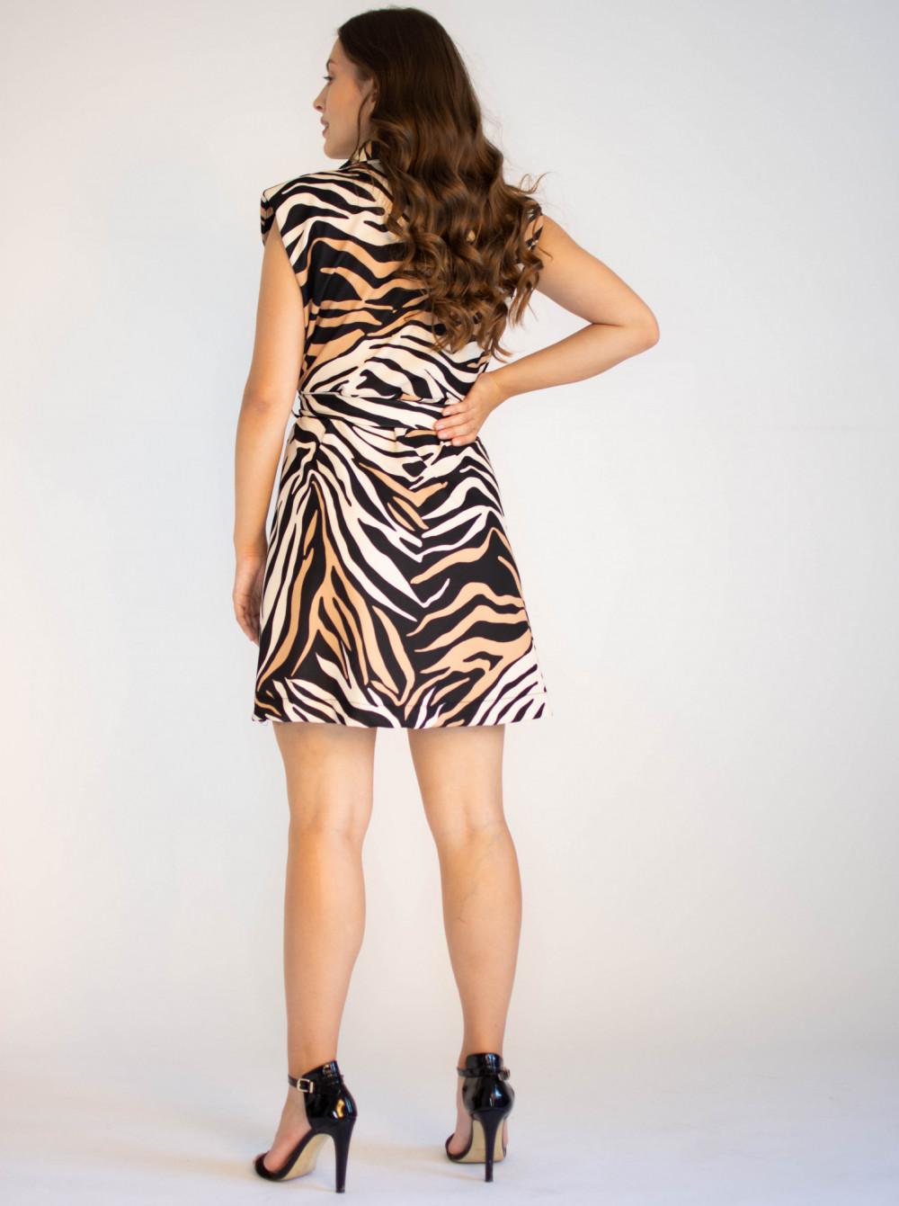 Elegancka sukienka z przekładanym dekoltem Eve 1