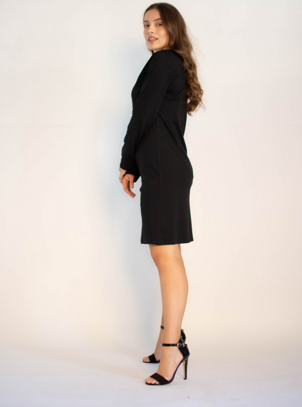 Klasyczna czarna sukienka O-Neck z długim rękawem Vera 2