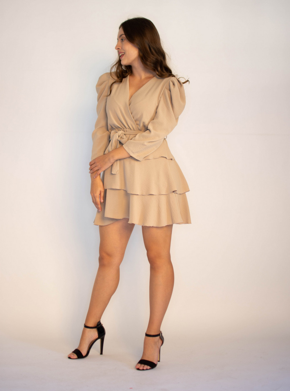 Rozkloszowana sukienka z falbankami Mia 2