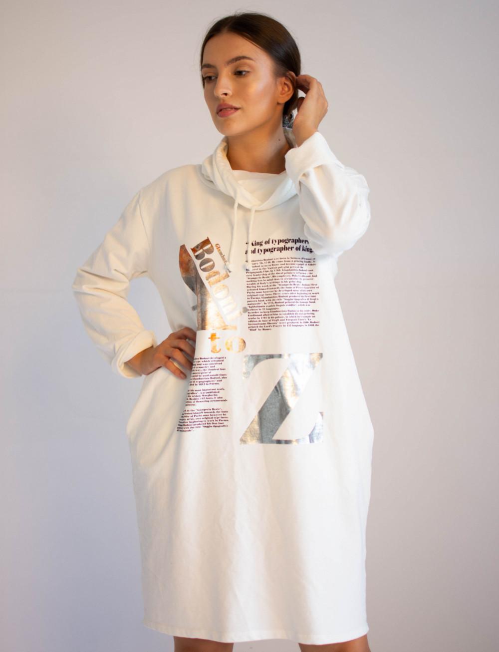 Sukienka dresowa oversize z oryginalnym nadrukiem Tiffany 3