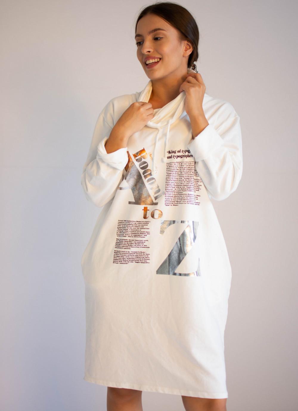 Sukienka dresowa oversize z oryginalnym nadrukiem Tiffany 4