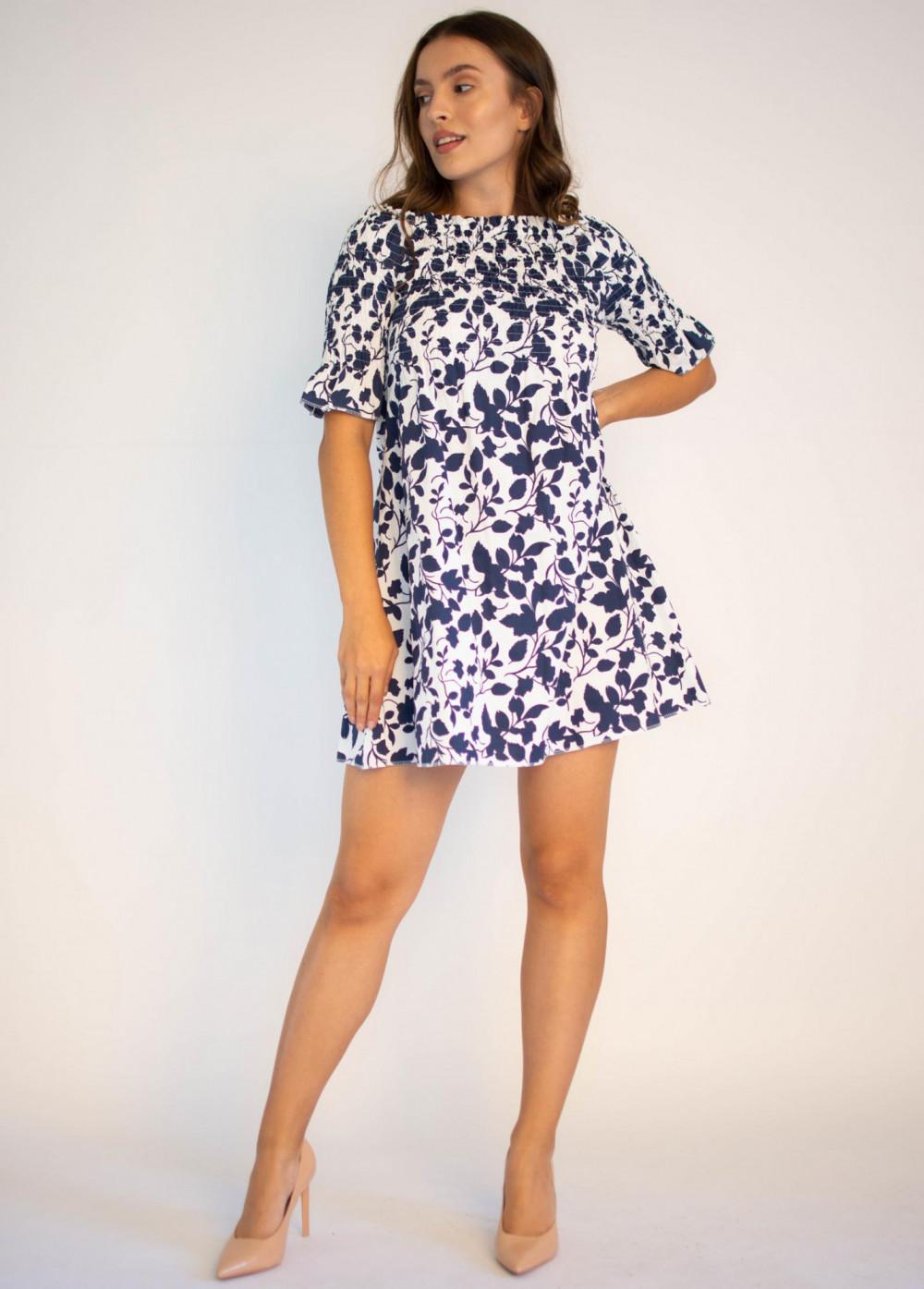 Sukienka marszczona biała z niebieskim wzorem Cornelia 4