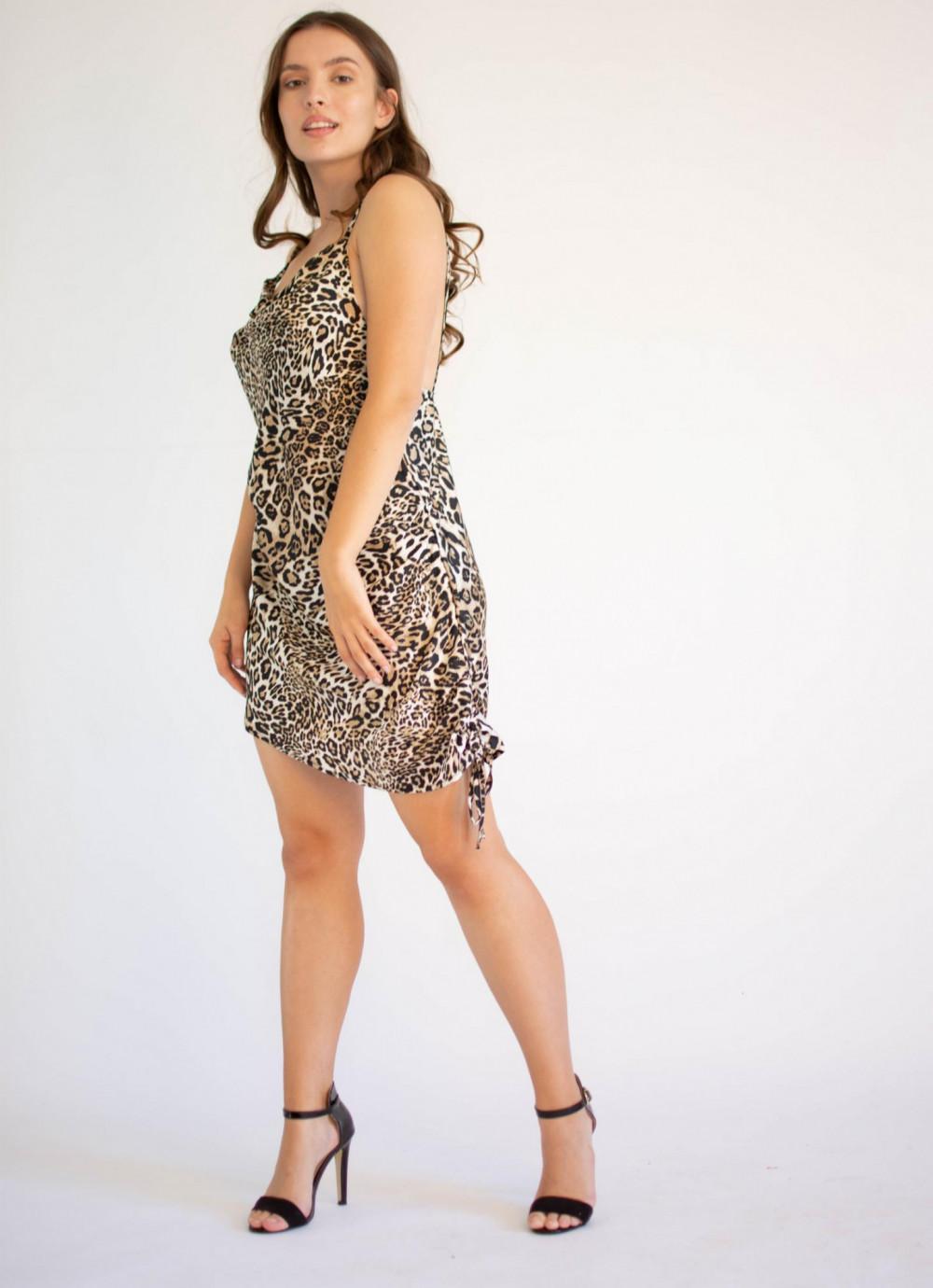 Sukienka seksowna na ramiączkach z wyciętymi plecami Adrienne 3
