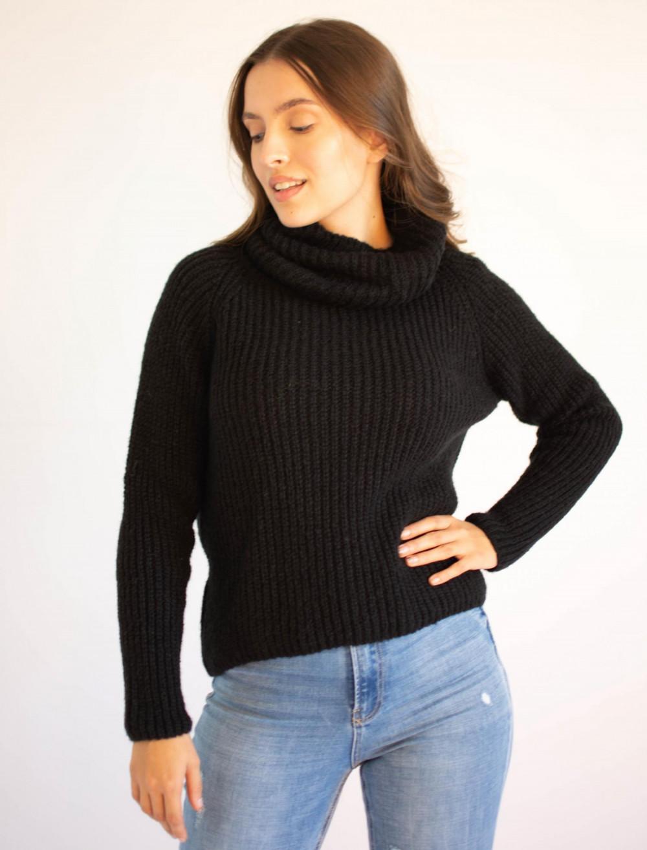Sweter damski gruby z ozdobnym golfem Luizy 1