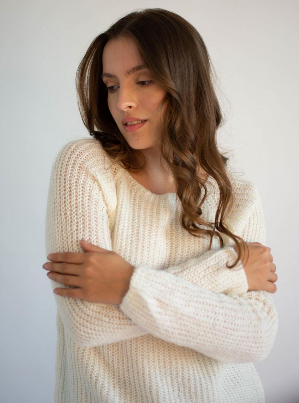 Sweter damski klasyczny Joan 4