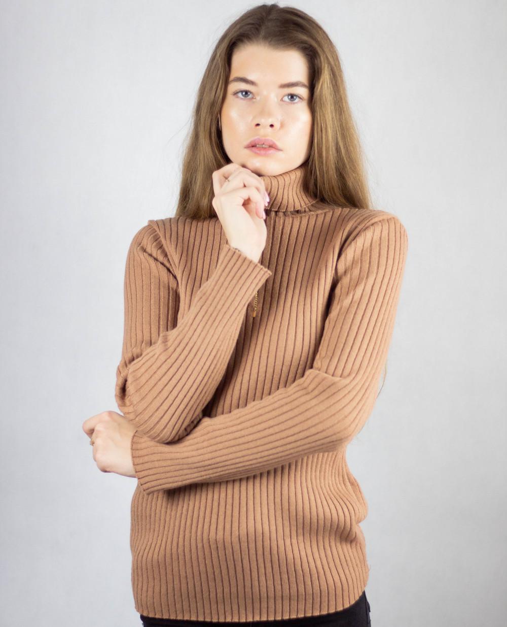 Brązowy sweter z golfem Selena 1