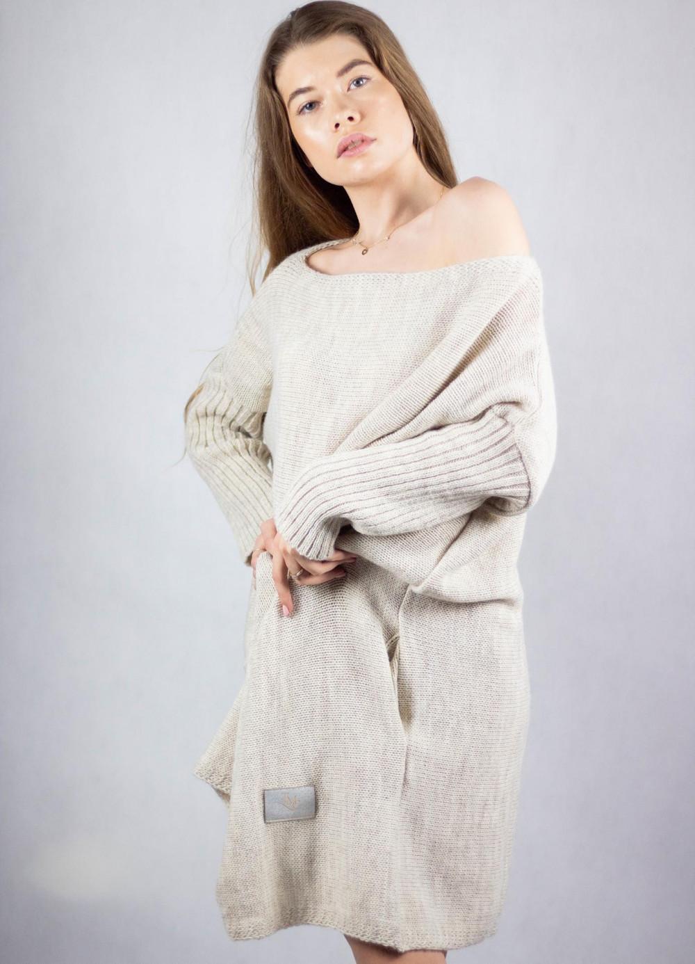 Beżowy sweter tunika Olivia 4