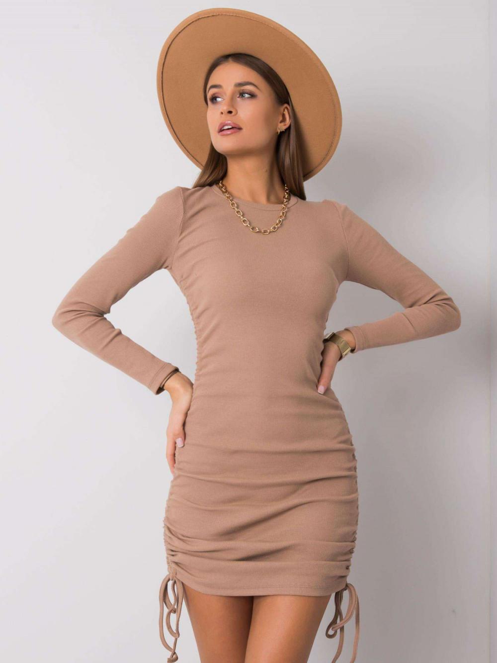 Beżowa dopasowana sukienka z wiązaniami Lille 1