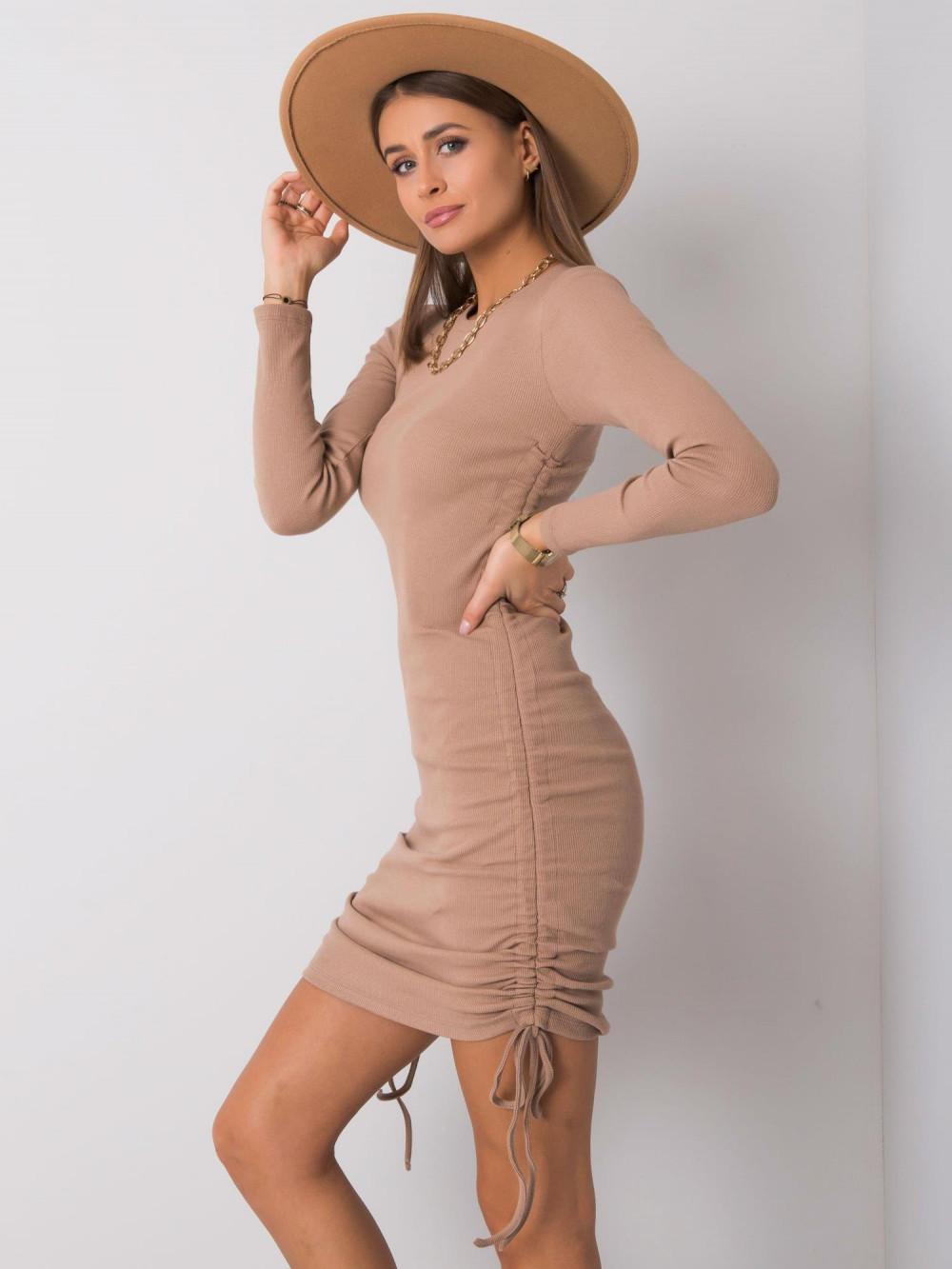 Beżowa dopasowana sukienka z wiązaniami Lille 2