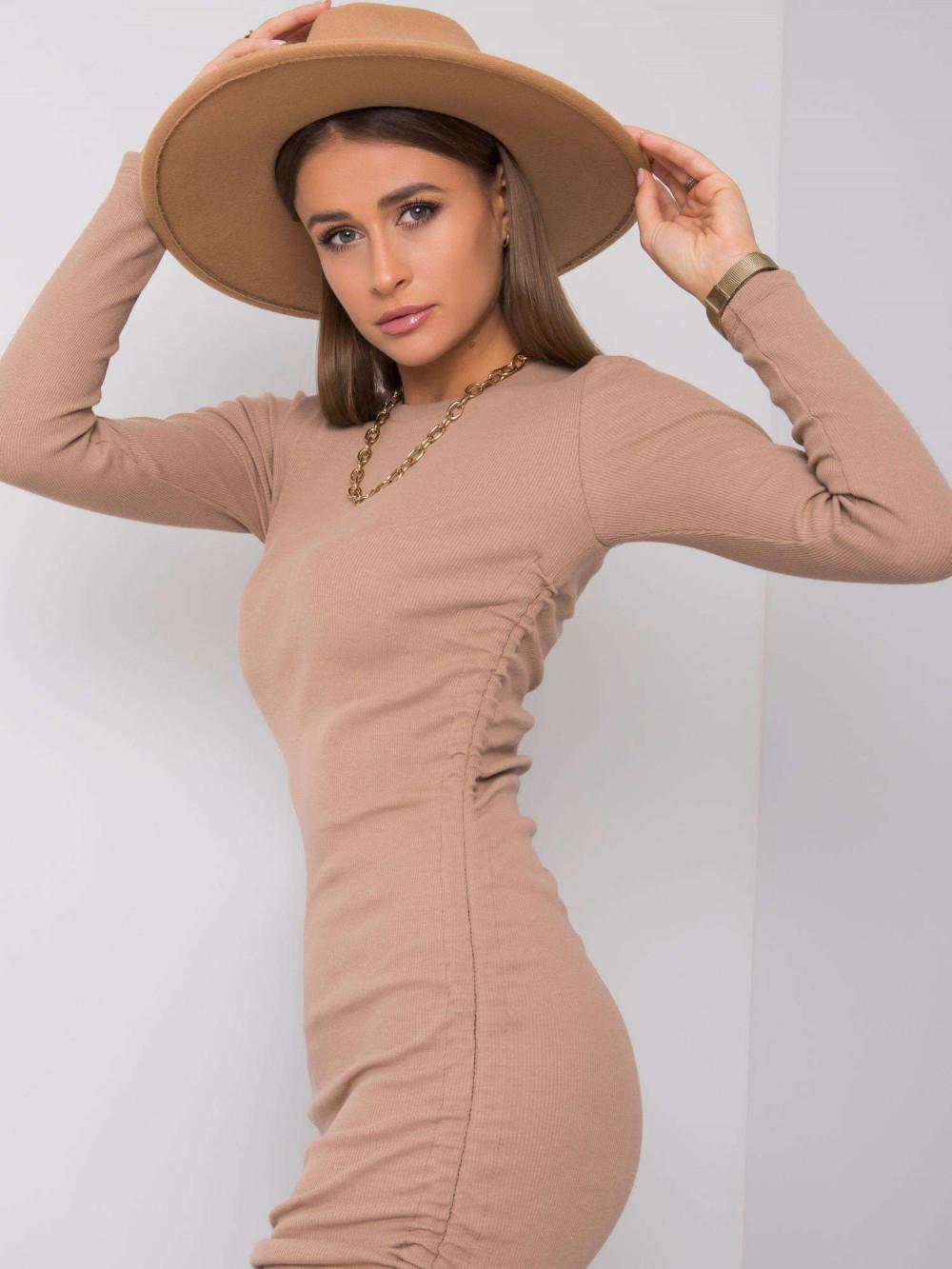 Beżowa dopasowana sukienka z wiązaniami Lille 4
