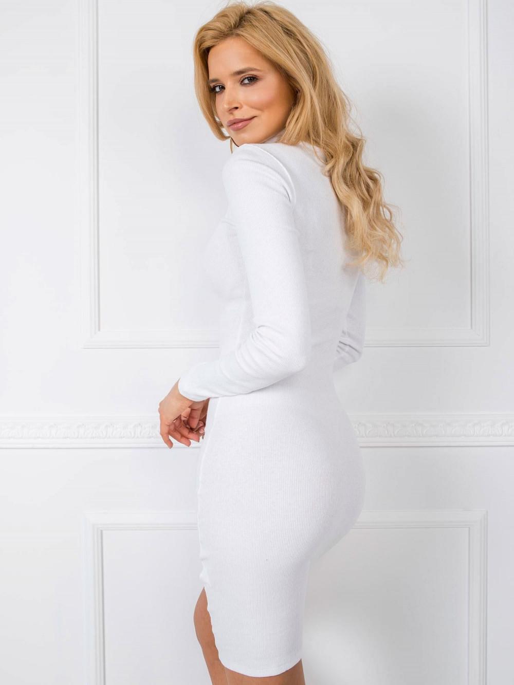 Biała dopasowana sukienka z golfem Valence 1
