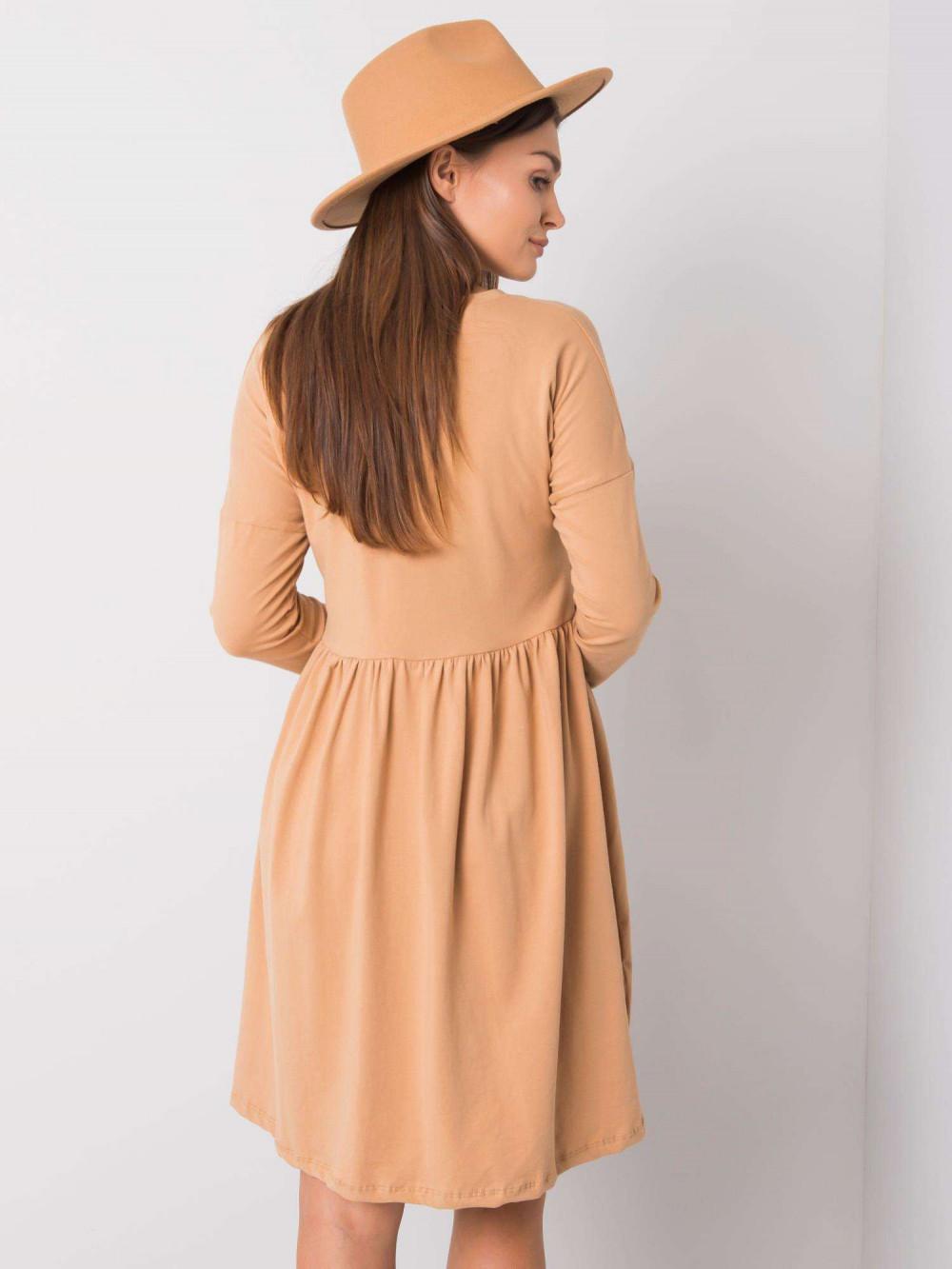 Karmelowa sukienka rozkloszowana Talence 2