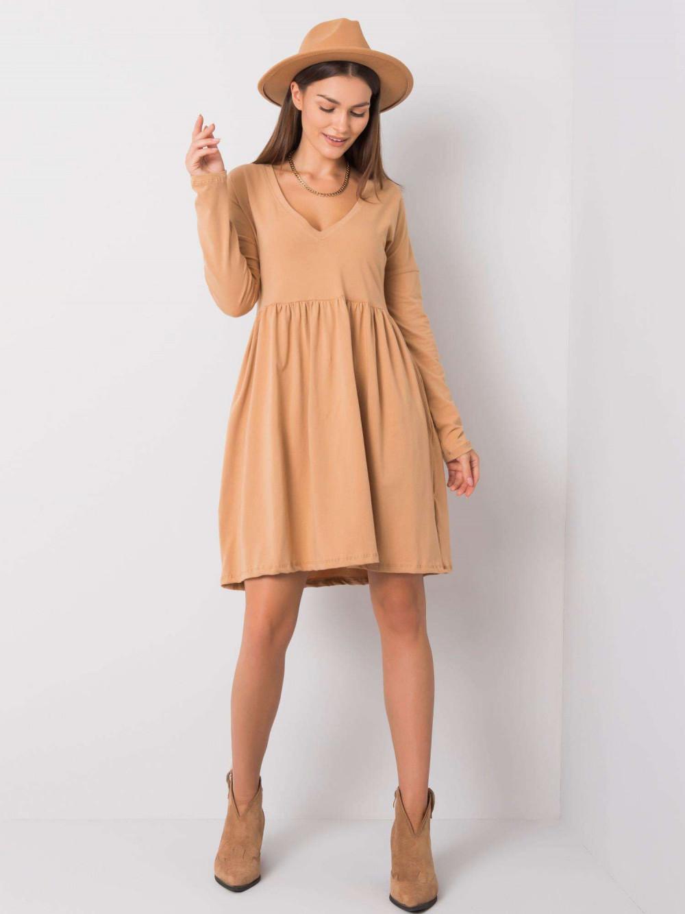 Karmelowa sukienka rozkloszowana Talence 3