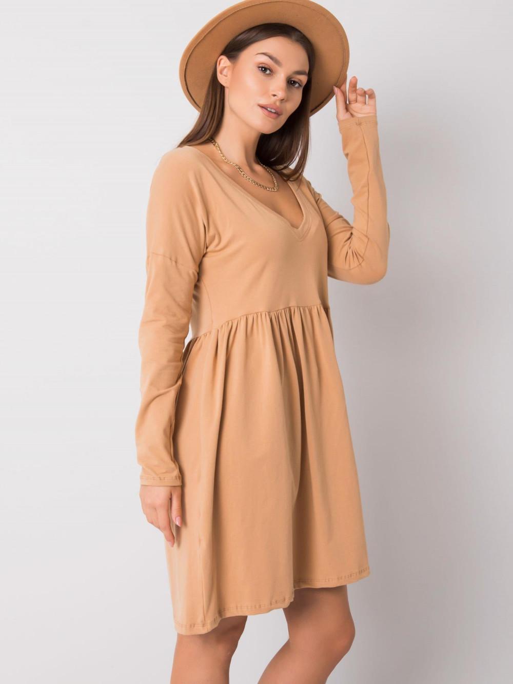 Karmelowa sukienka rozkloszowana Talence 4