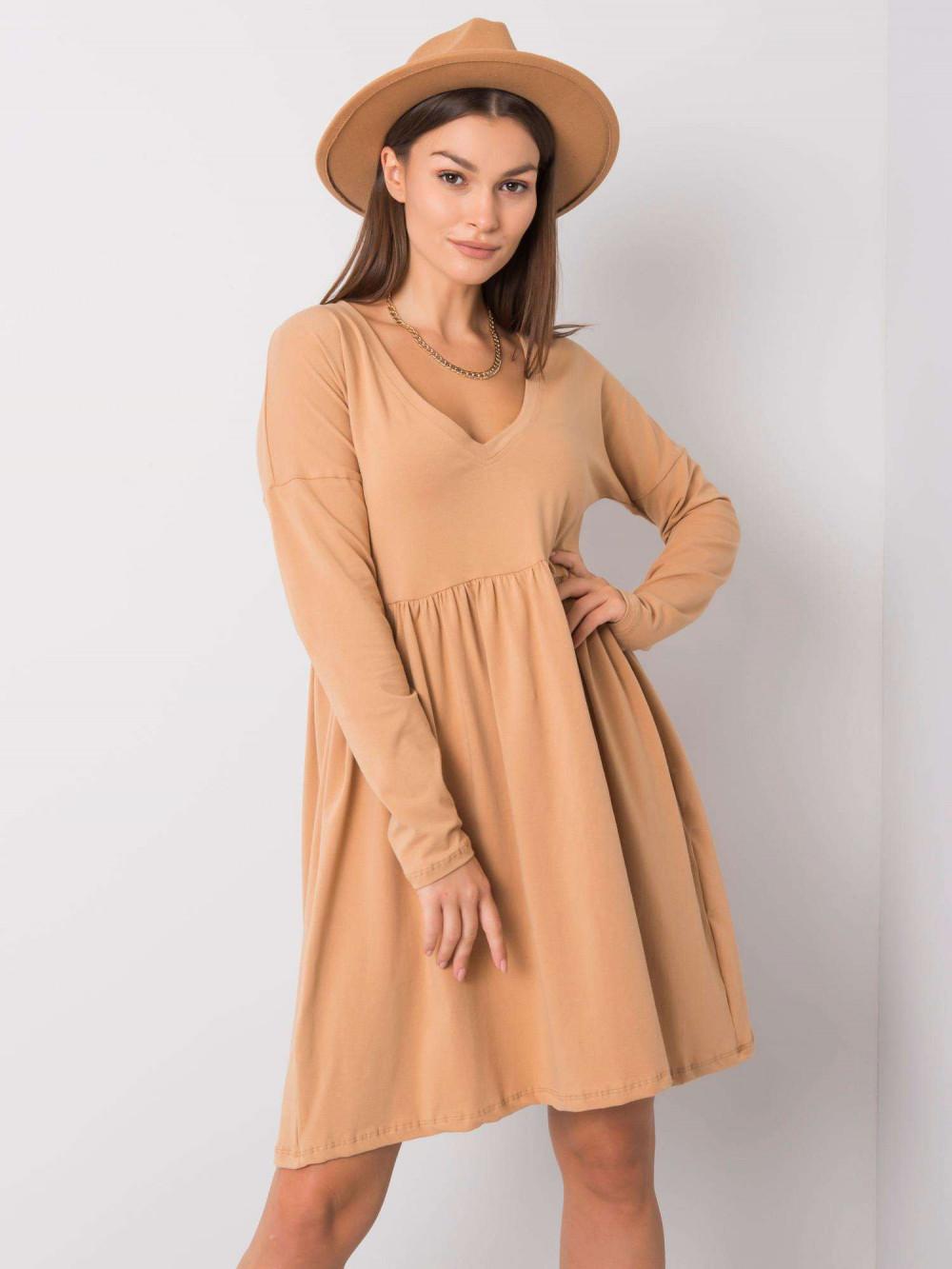Karmelowa sukienka rozkloszowana Talence 5