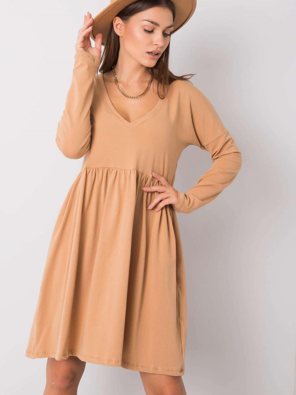 Karmelowa sukienka rozkloszowana Talence 6