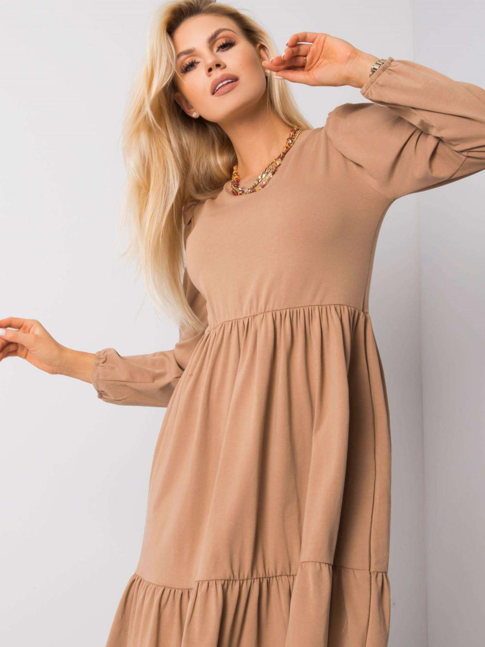 Karmelowa sukienka midi z falbankami Olivet 2