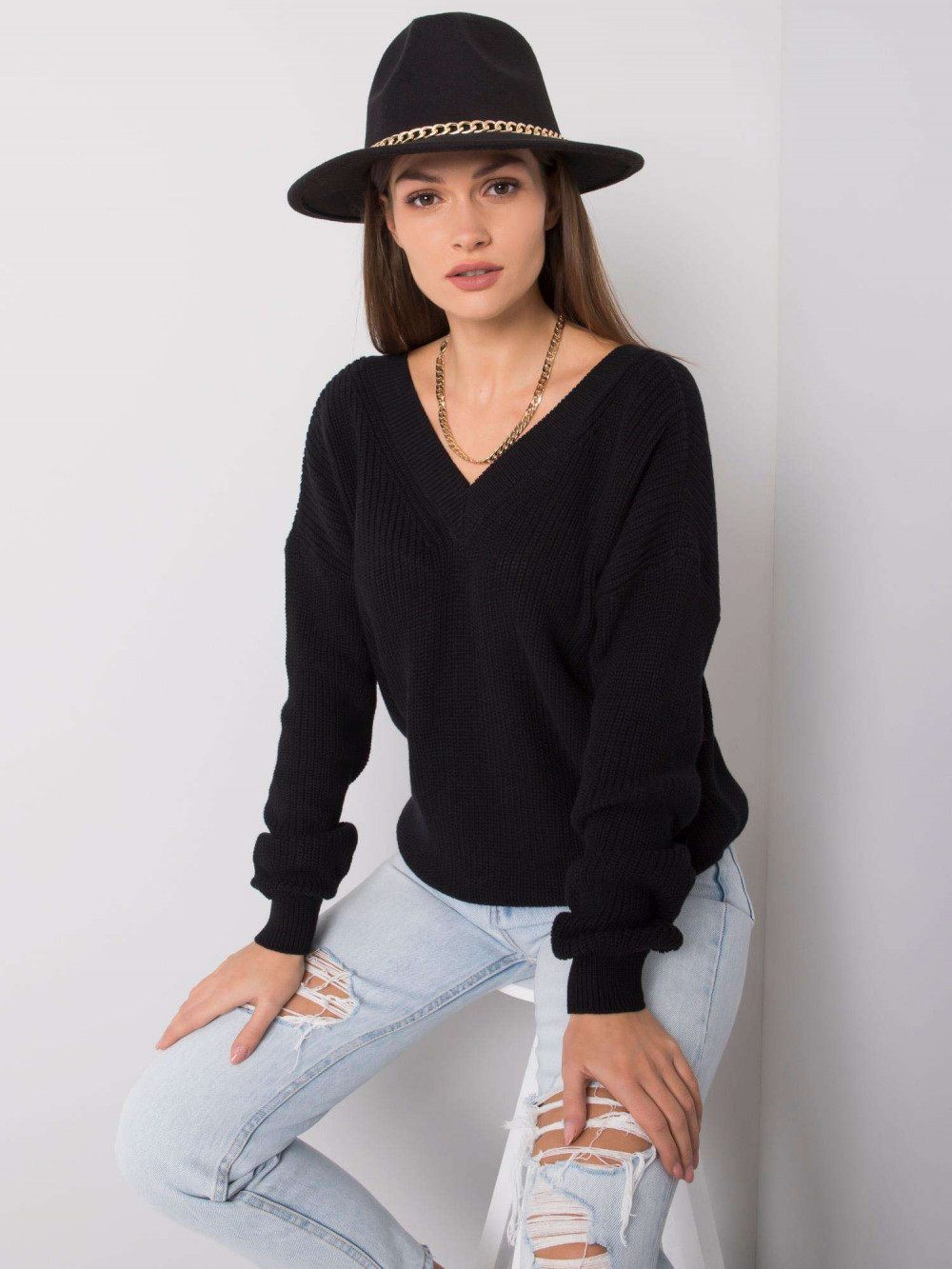 Czarny sweter V-Neck Uscio 4