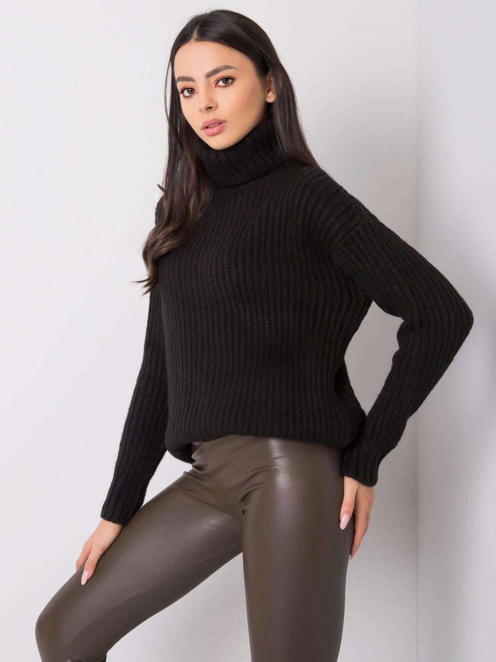 Czarny duży sweter z golfem Tivoli 3