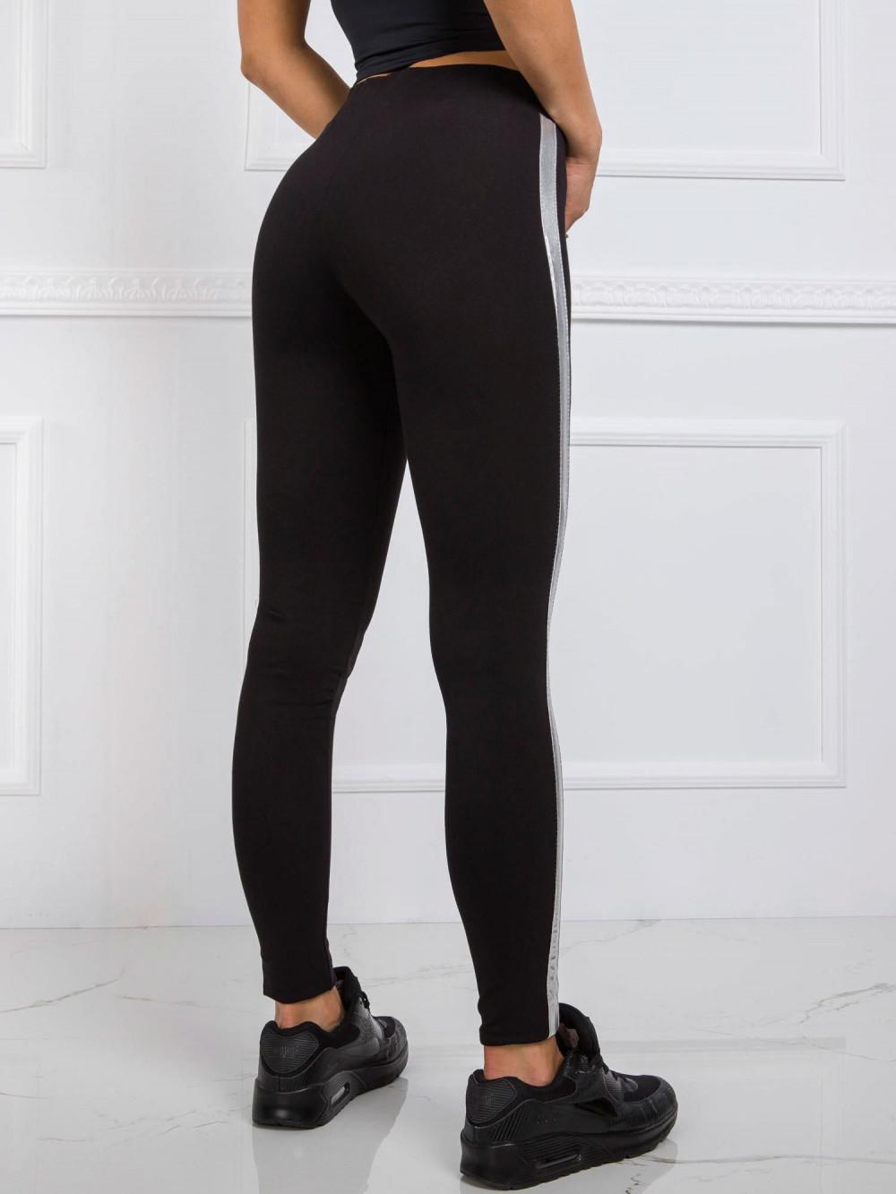 Czarne legginsy fitness z srebrnymi lampasami Holly 3