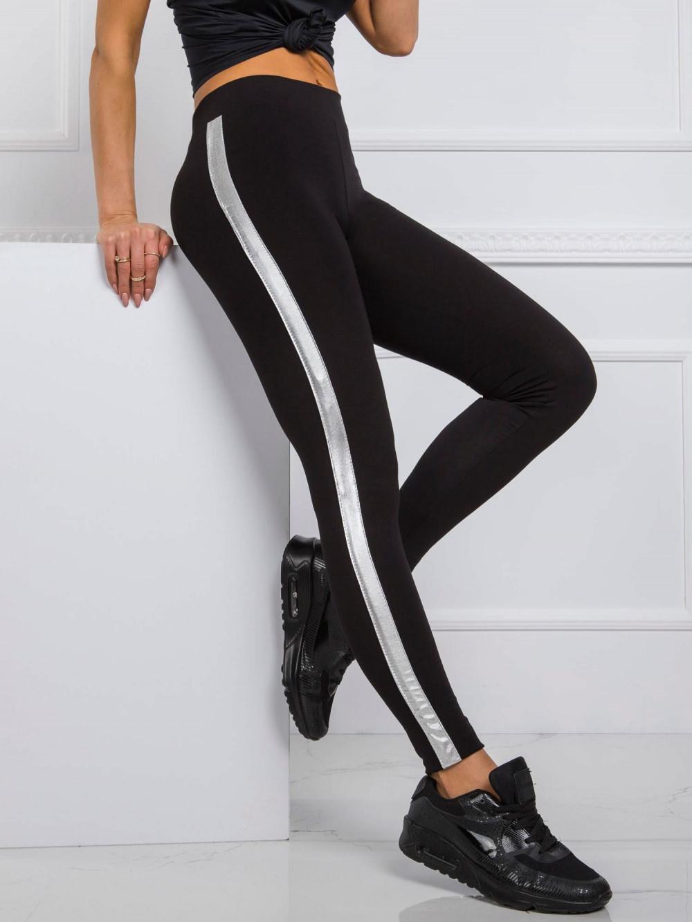 Czarne legginsy fitness z srebrnymi lampasami Holly 1