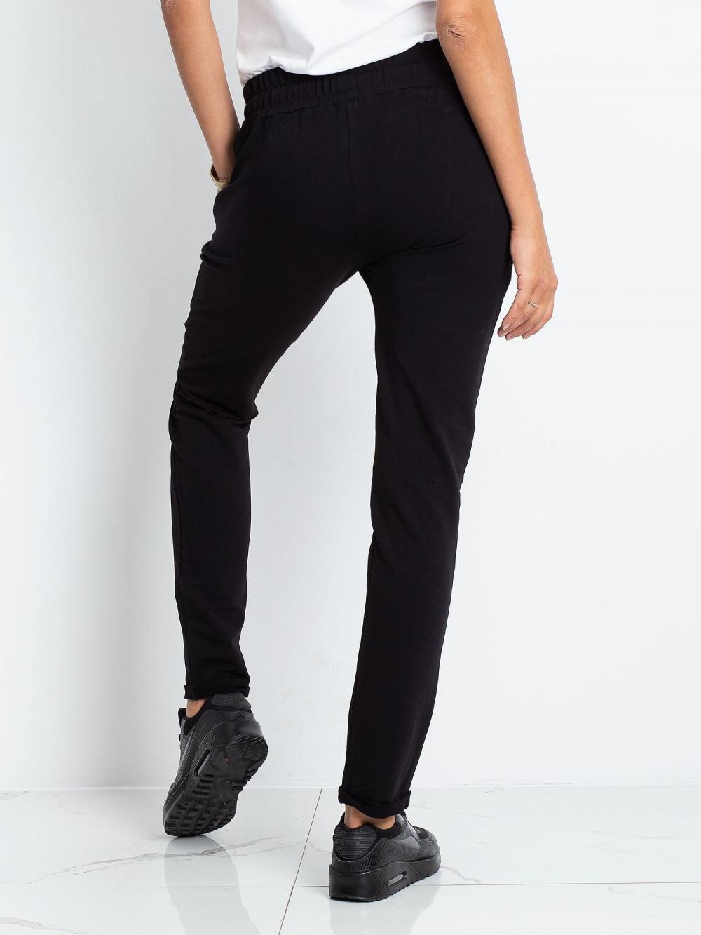 Czarne spodnie dresowe z kieszeniami Sage 4