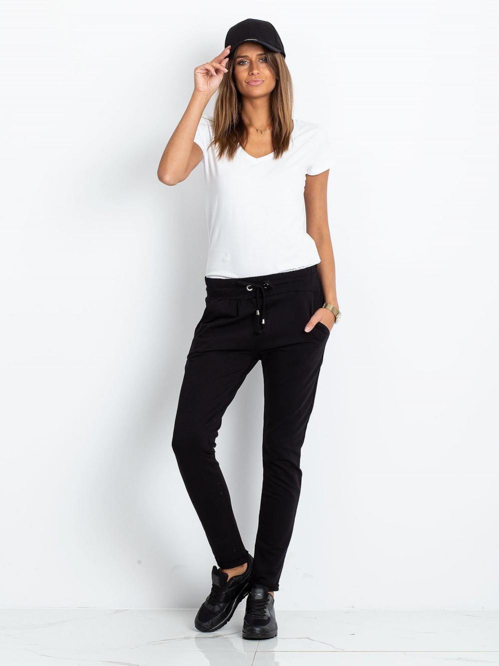 Czarne spodnie dresowe z kieszeniami Sage 1