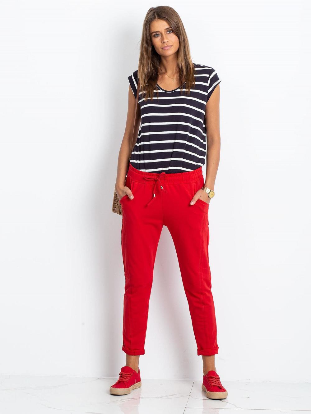 Czerwone spodnie dresowe z kieszeniami Viole 1