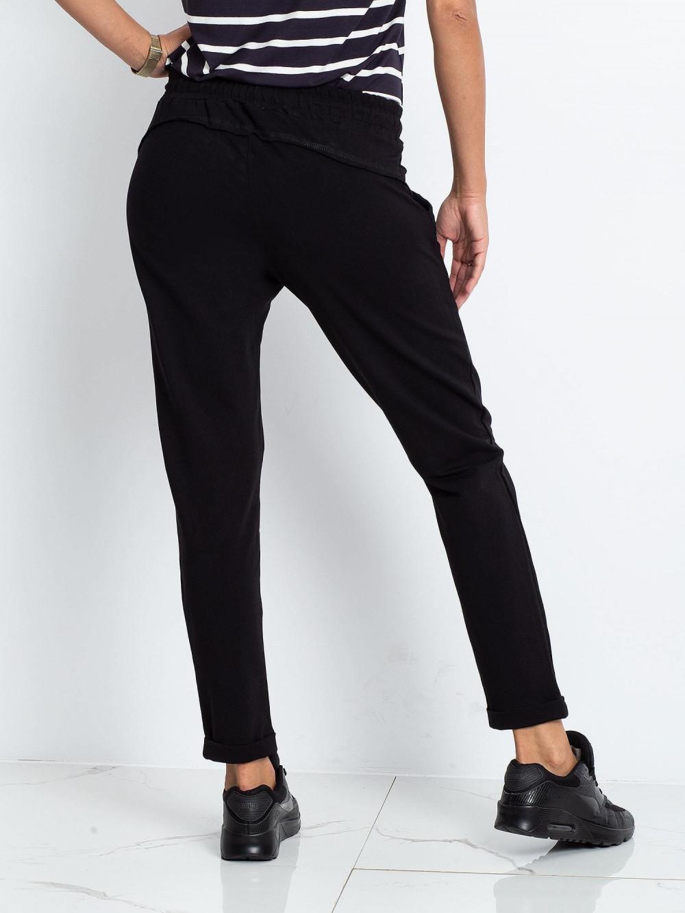 Czarne spodnie dresowe z kieszeniami Viole 4
