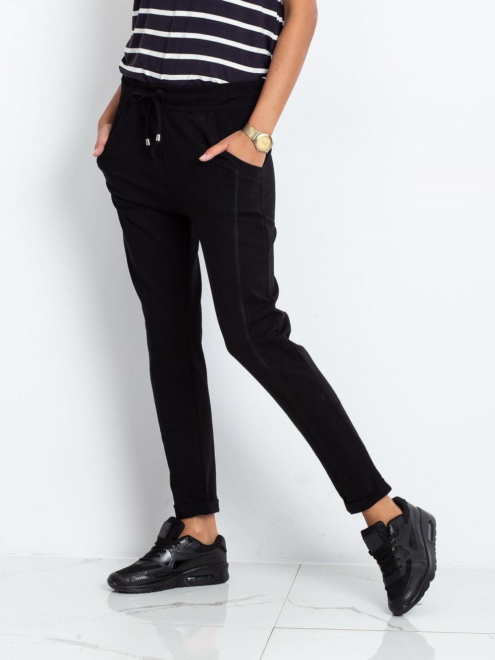 Czarne spodnie dresowe z kieszeniami Viole 3