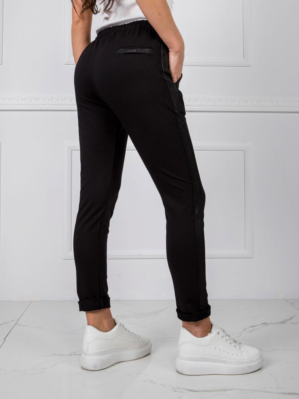 Czarne dresowe spodnie z lampasami Nikki 3