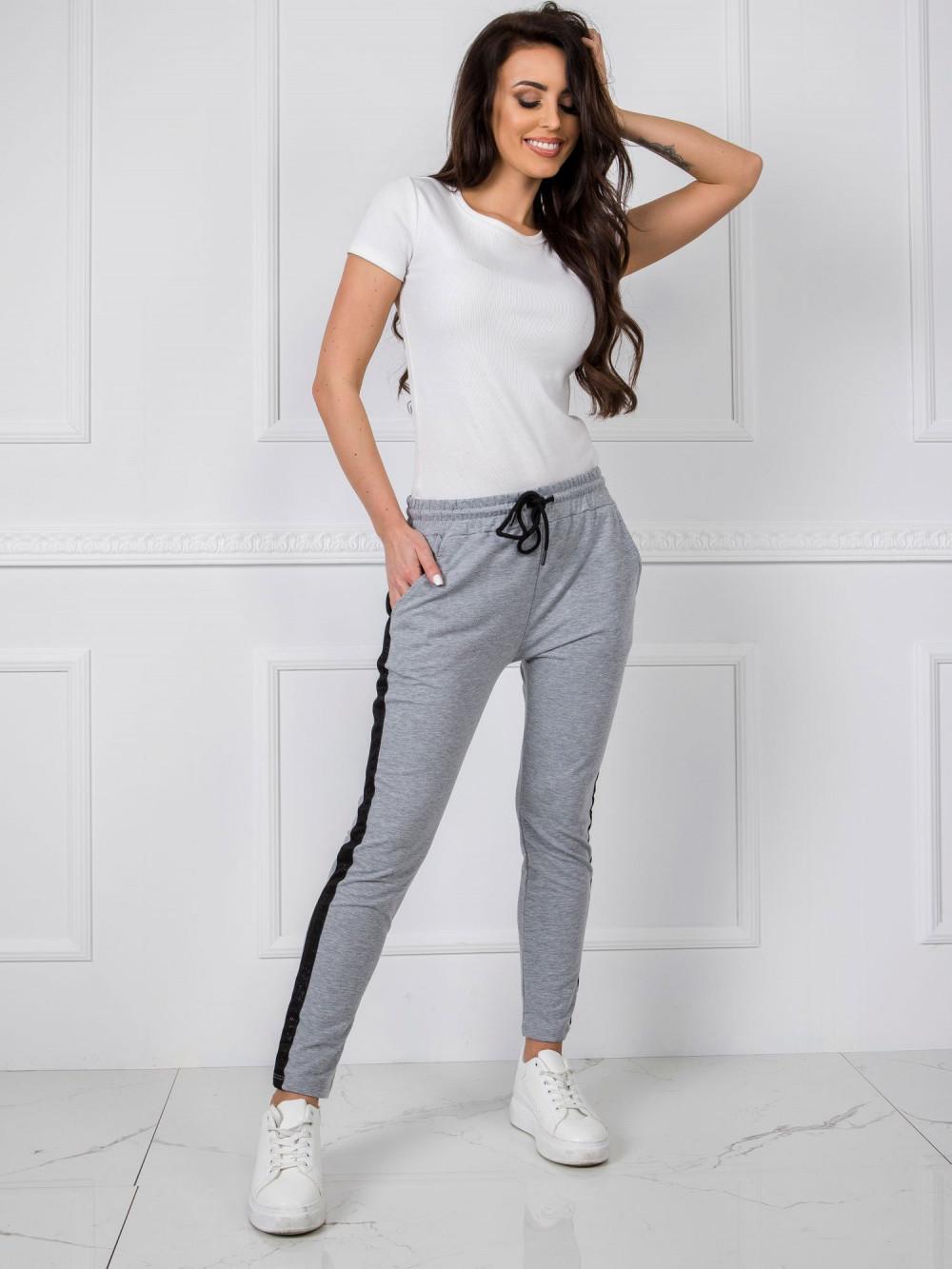 Szare dresowe spodnie z lampasami Nikki 1