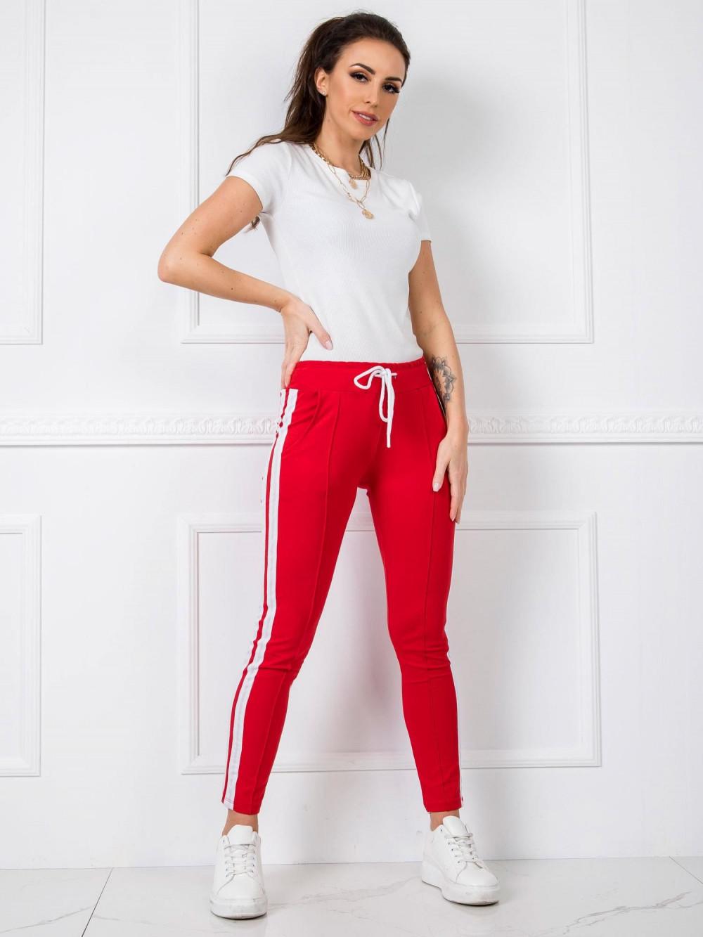 Czerwone spodnie dresowe z lampasami Iris 1