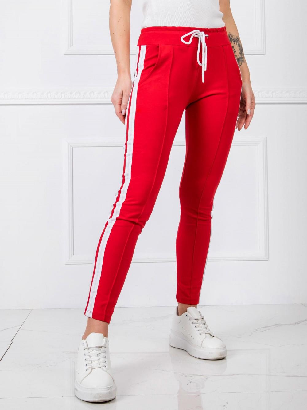 Czerwone spodnie dresowe z lampasami Iris 3