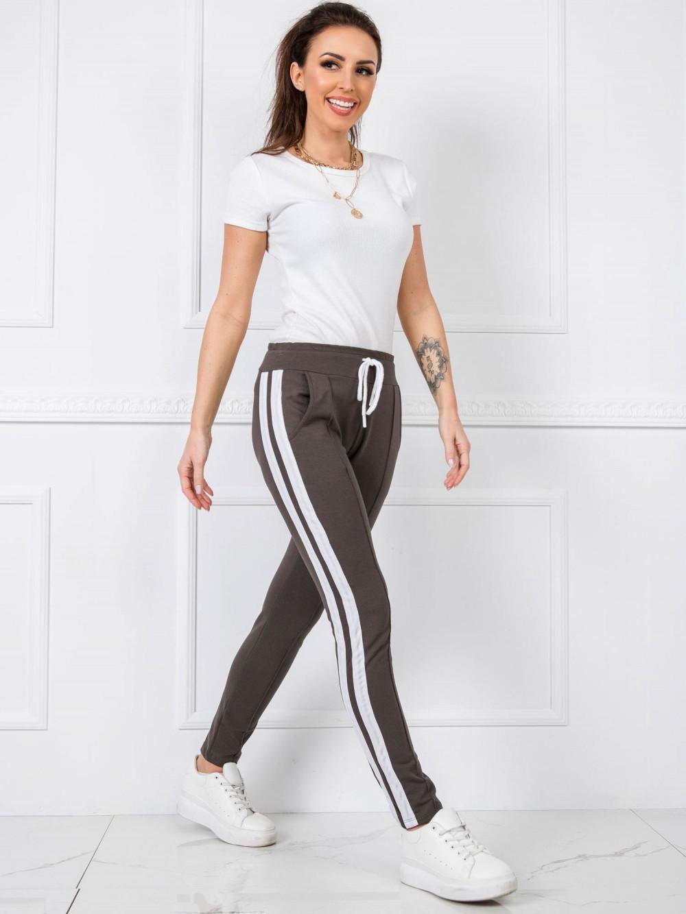 Khaki spodnie dresowe z lampasami Iris 1