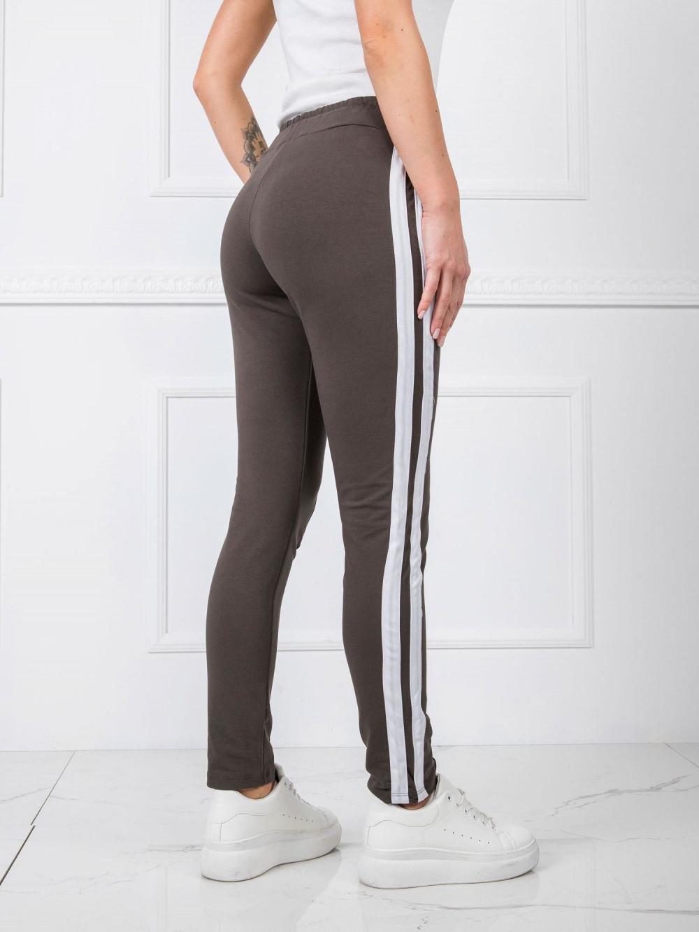 Khaki spodnie dresowe z lampasami Iris 4