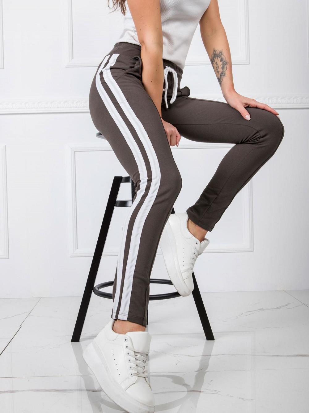 Khaki spodnie dresowe z lampasami Iris 2