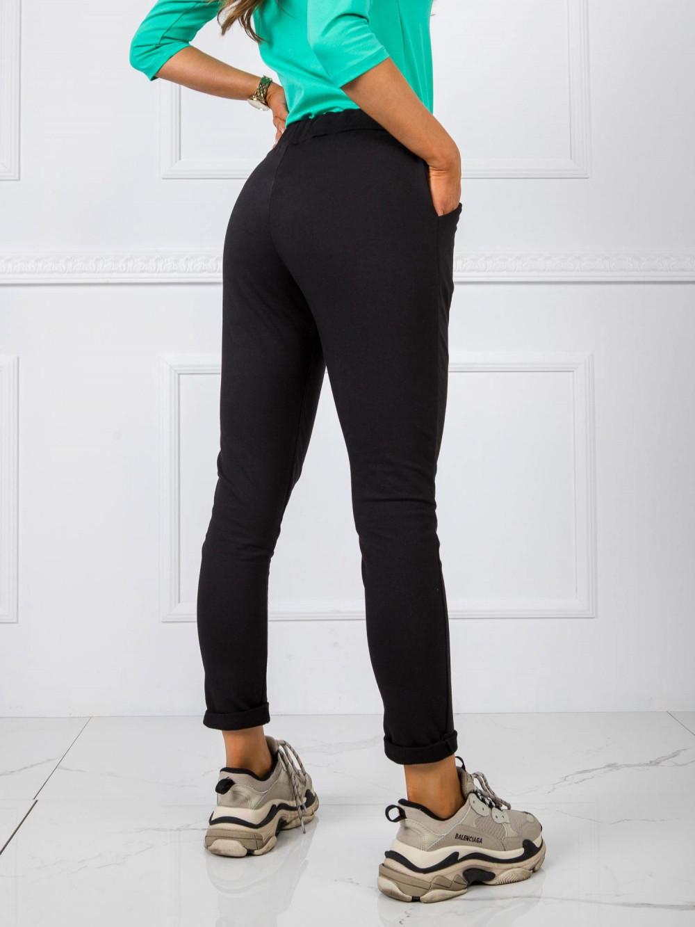Czarne dresowe spodnie z kieszeniami Davo 3