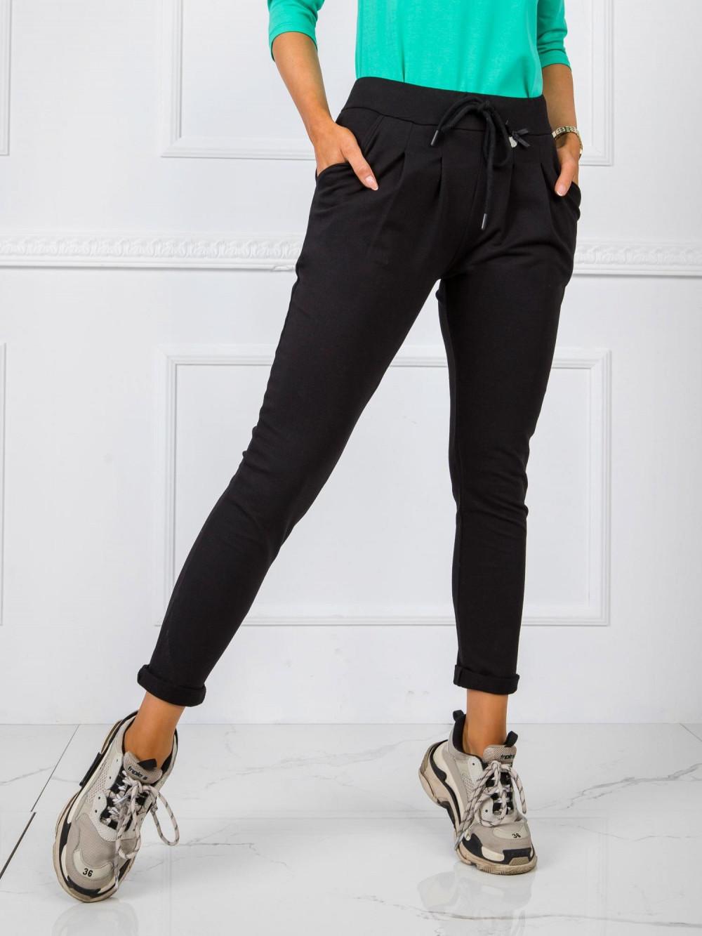 Czarne dresowe spodnie z kieszeniami Davo 2