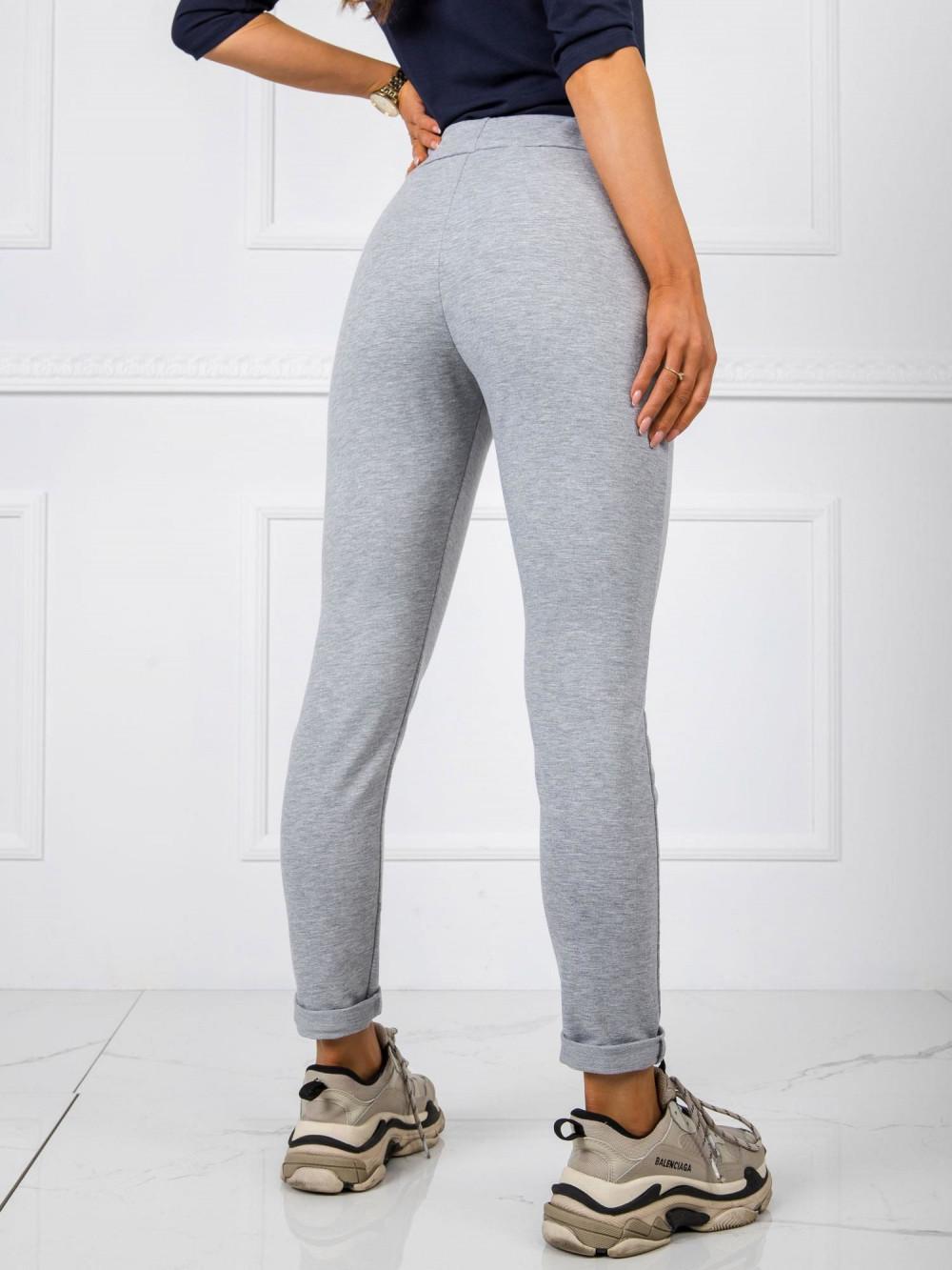 Szare dresowe spodnie z kieszeniami Davo 3