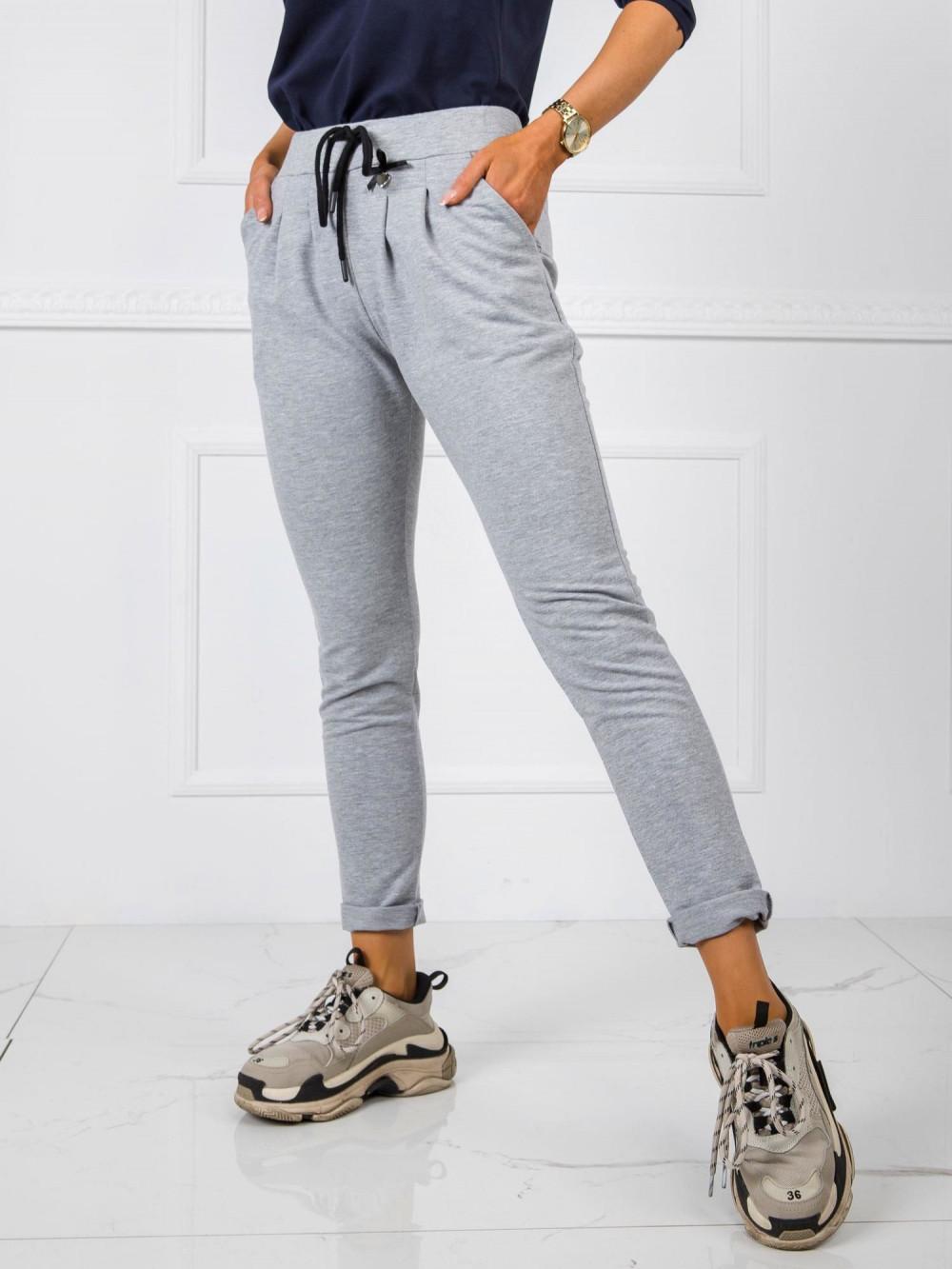 Szare dresowe spodnie z kieszeniami Davo 2