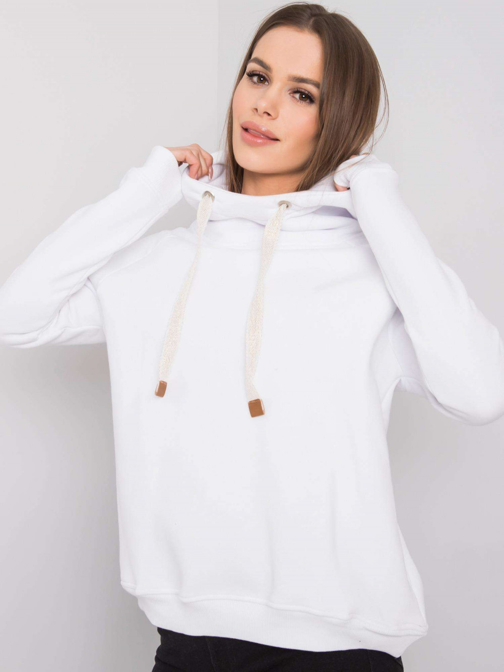 Biała bluza fitness z troczkami Fasma 1