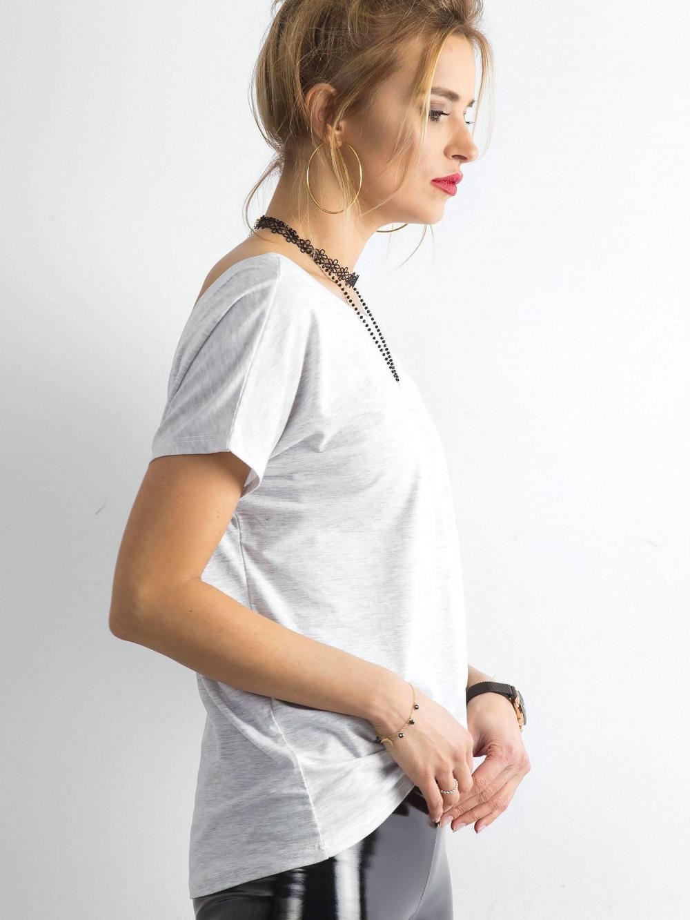 Jasnoszary t-shirt z wycięciem V na plecach Sharon 3