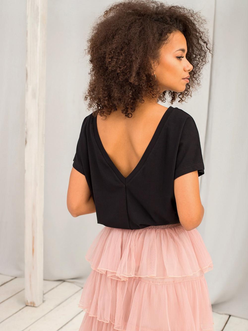 Czarny t-shirt z wycięciem V na plecach Sharon 1