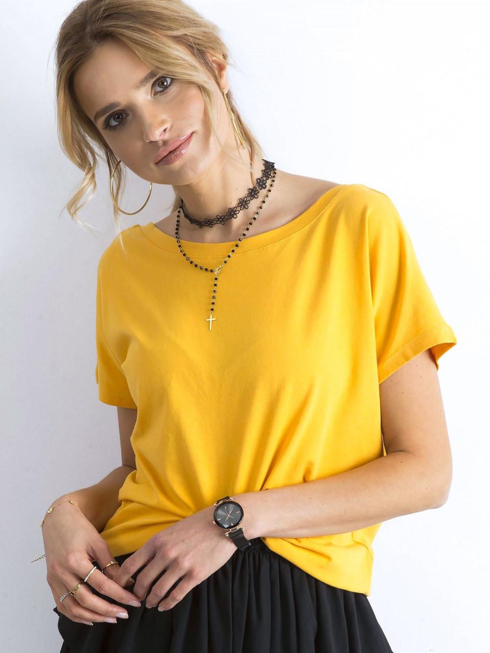 Ciemnożółty t-shirt z wycięciem V na plecach Sharon 2