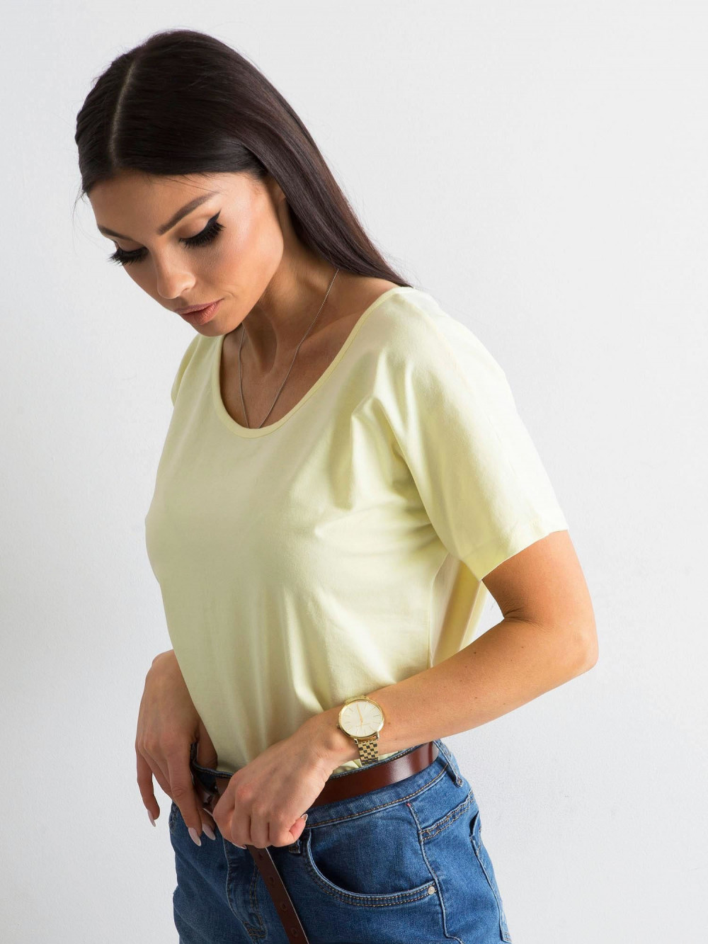 Jasnożółty t-shirt z wycięciem na plecach Sofie 5