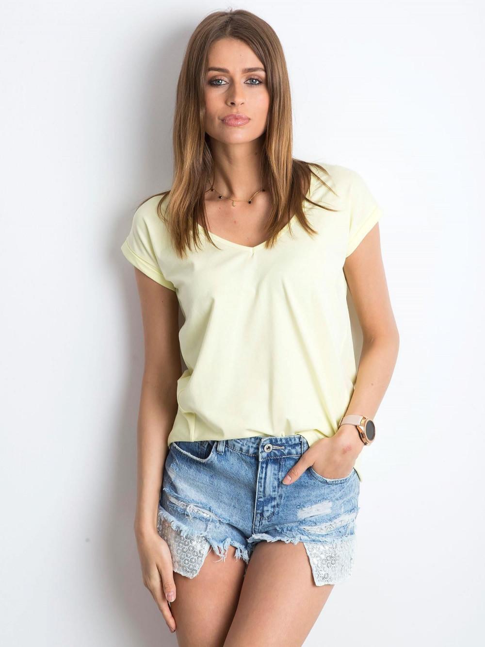 Jasnożółty t-shirt z dekoltem w serek Secret 1