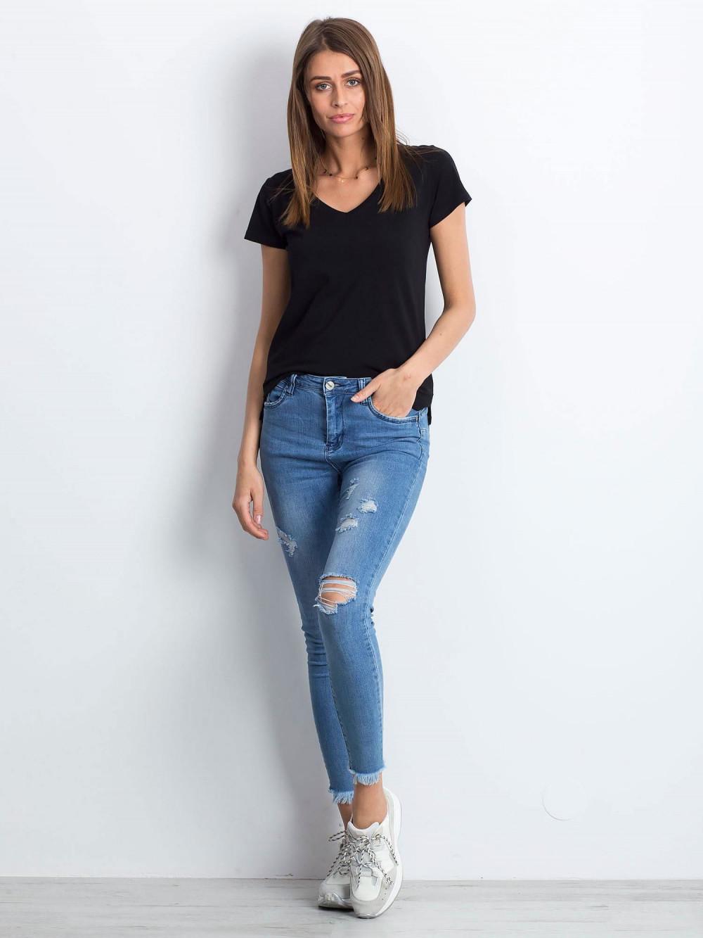Czarny t-shirt z dekoltem V-Neck Amy 4