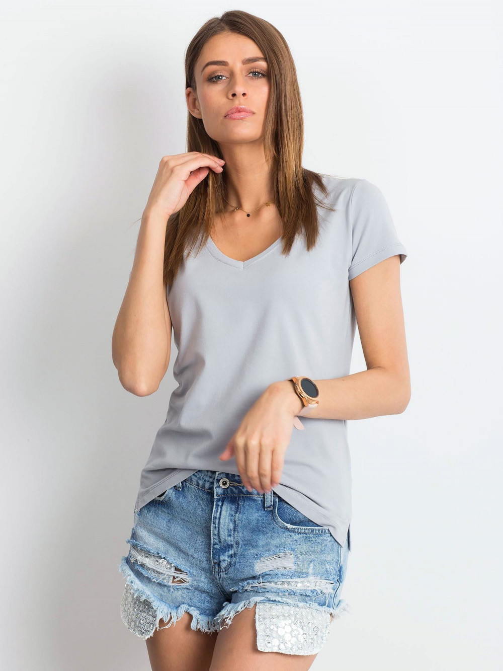 Jasnoszary t-shirt z dekoltem V-Neck Amy 1